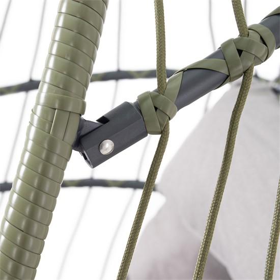 Hängesessel grün mit Gestell und Kissen, aus Stahl und Polyrattan-Geflecht