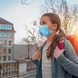 100 Stück Einwegmasken Kinder 3-lagig Vliesmaterial Blau mit Muster